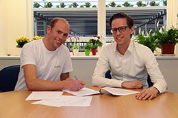 Ondertekening contract KP Holland en Trias Westland